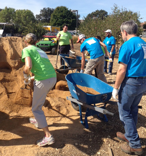 Bayer employess at Day of Service at UC Davis